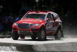 Peterhansel gana la duodécima etapa de coches con polémica